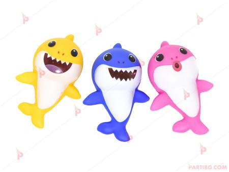 Фигурки/играчки 3 броя Бебета Акули / Baby Shark