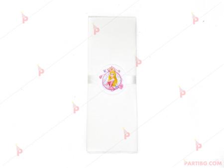 Салфетка едноцветна в бяло и тематичен декор Аврова / Спящата красавица
