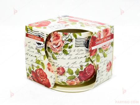 Ароматна свещ в стъклена чаша с декор/аромат рози